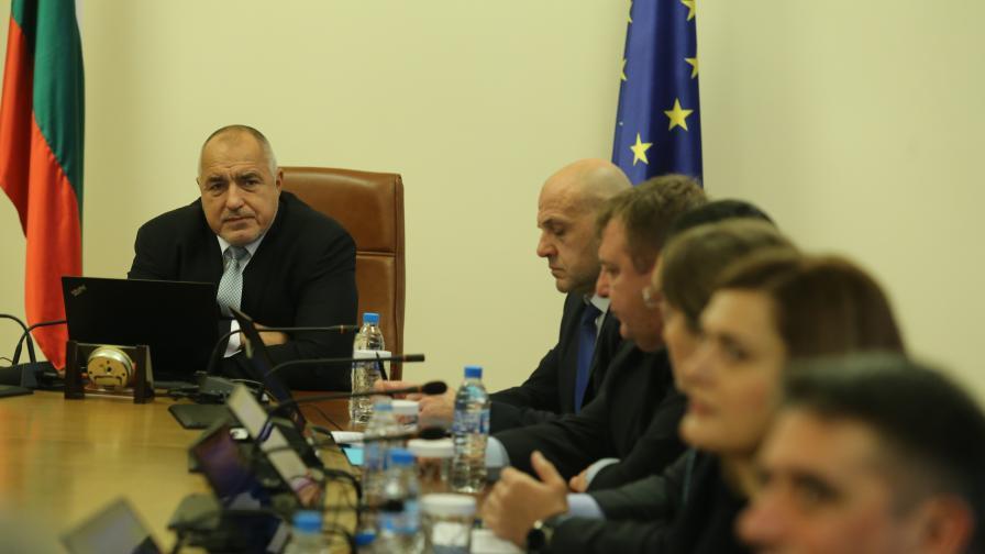 <p>Борисов: Обяснявайте на хората какво се прави</p>