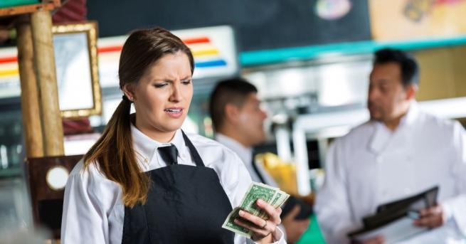 Сервитьорката Линет Бейо от Флорида получи бакшиш от 2000 долара