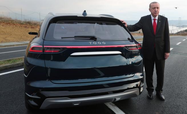 Ердоган представи турски електромобил, иска го по целия свят