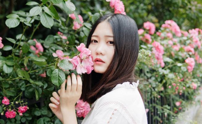 Китайското момиче, което превърна живота на село в бизнес
