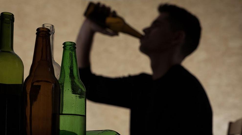 Гръцката полиция разби мрежа за фалшив алкохол, има арестувани българи
