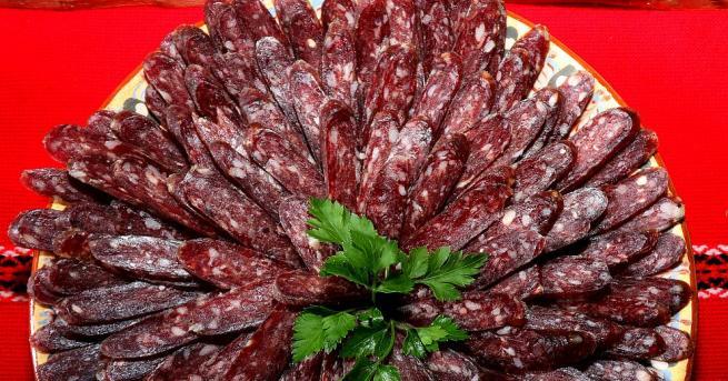 Луканката е български деликатес? Мнозина българи са убедени в това.