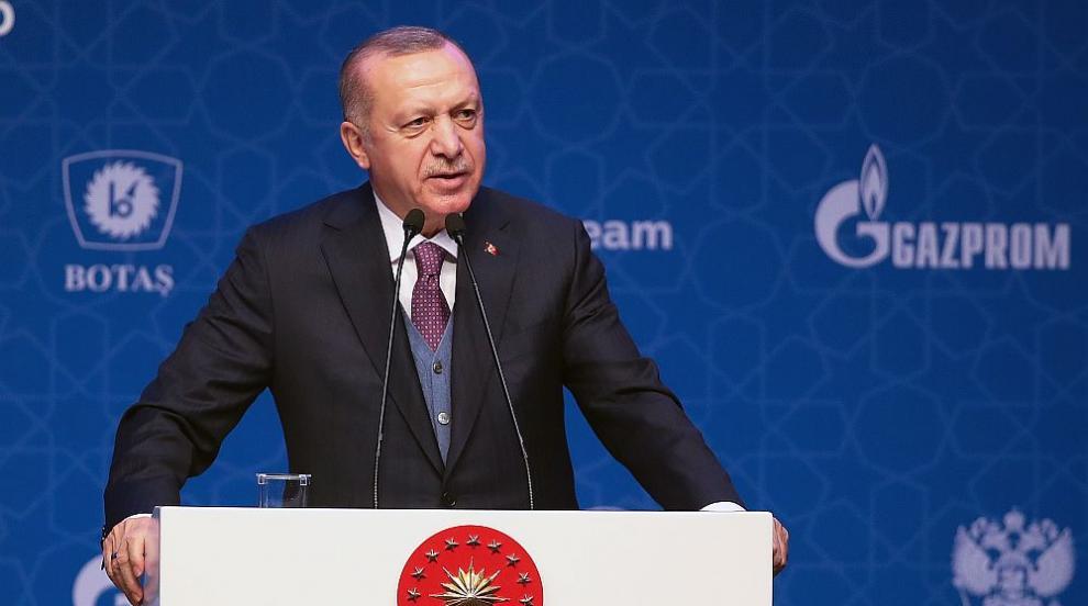 Ердоган призова хората да не ходят в джамии, а...