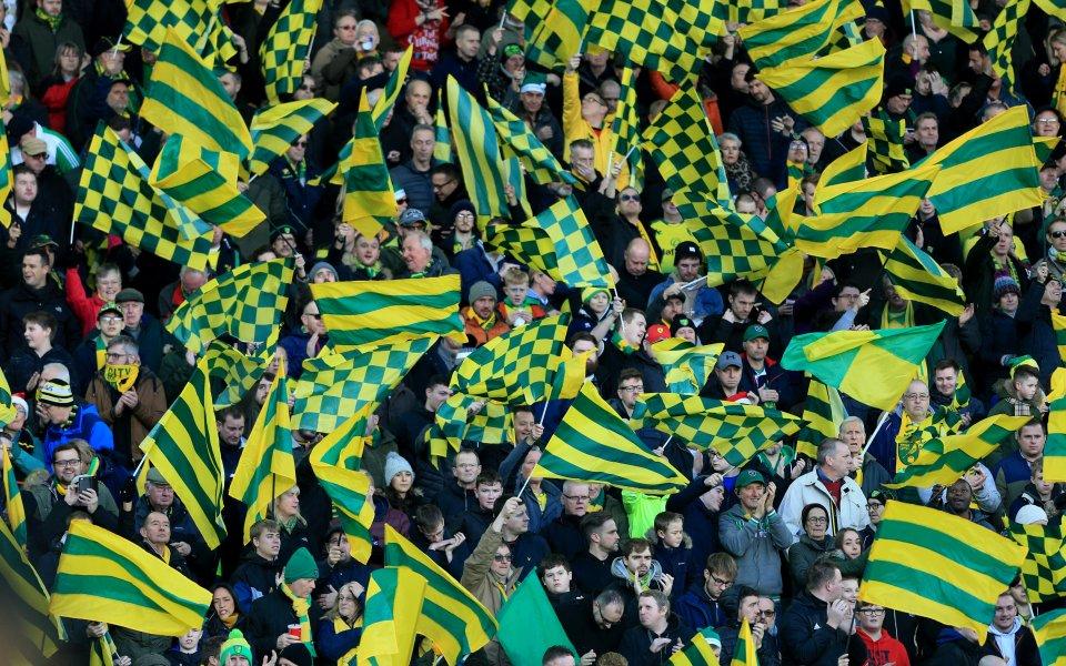 Фен на Норич завеща 100 паунда на клуба и играчите