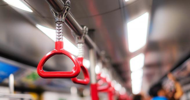 Снимка: Огромна бездна погълна автобус в Китай, шестима са загинали