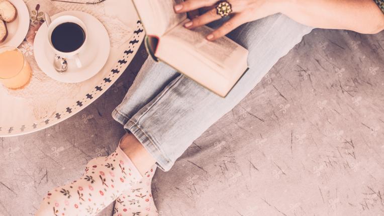 5 класически романа, които да прочетем, докато си стоим вкъщи