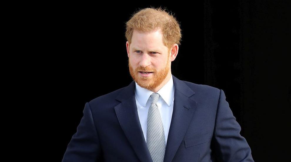 Принц Хари отпътува за Канада (СНИМКИ)