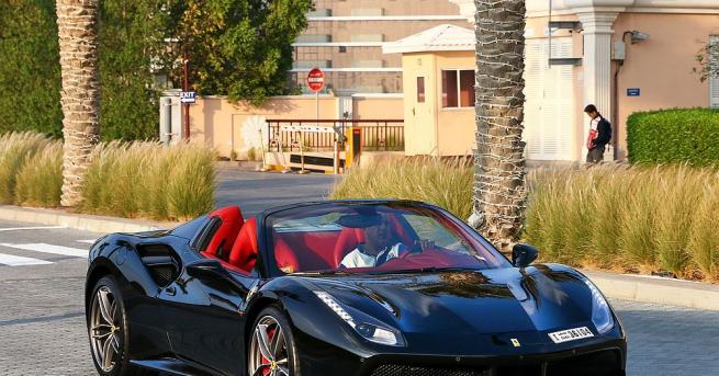 Социалните мрежи са мястото, където богатите деца от Дубай демонстрират