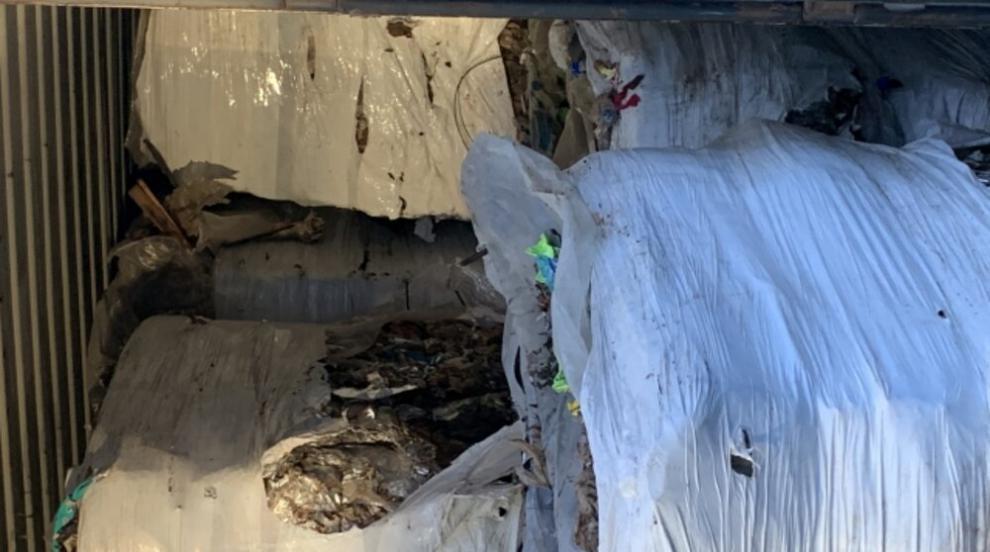 Товарят последните 25 контейнера с отпадъци за Италия...