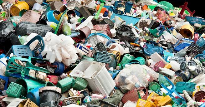 Снимка: Уволниха шефа на депото за отпадъци в Скопие, замесен във вноса на боклука от Италия за България