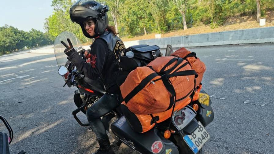 Българка прави околосветска обиколка с мотор