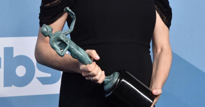 """Корейският филм """"Паразит"""" спечели наградата за най-добър актьорски състав на"""