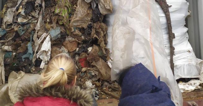 Фирма от Плевен трябвало да прибере италианските отпадъци, стоварени в