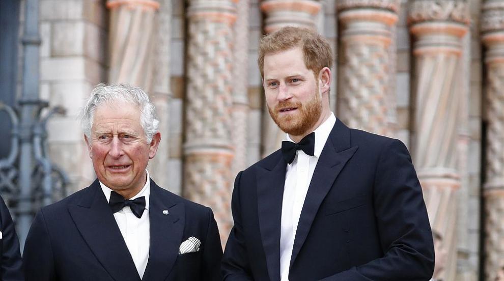 Принц Чарлз ще поеме разходите на принц Хари и семейството му за една година