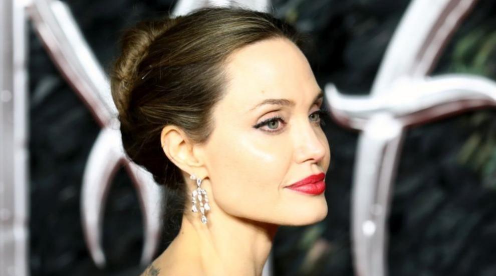 Сравняват рускиня с Анджелина Джоли, тя се сърди (ВИДЕО)