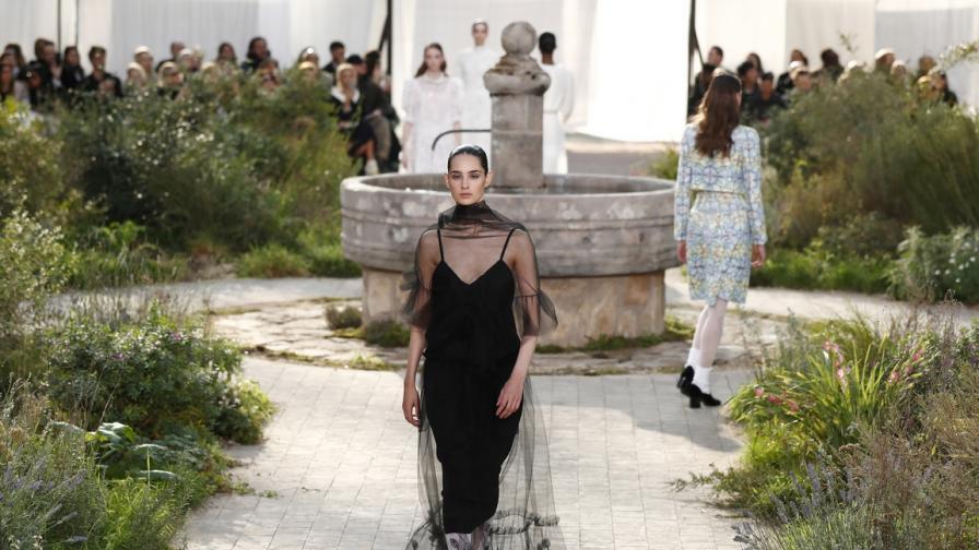 Още от седмицата на висшата мода в Париж...