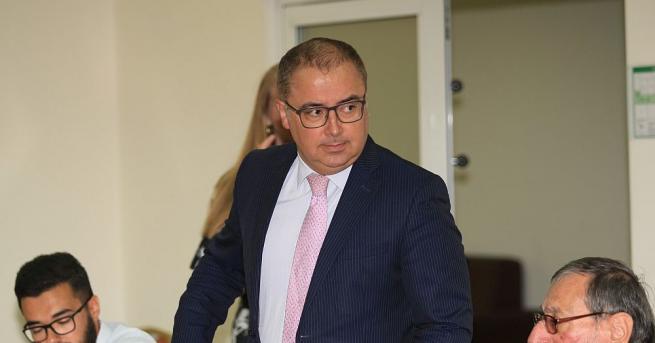 Изпълняващият правомощията на заместник-председател на Комисията за финансов надзор (КФН),