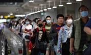 Коронавирусът поваля хора по улиците в Китай (18+)