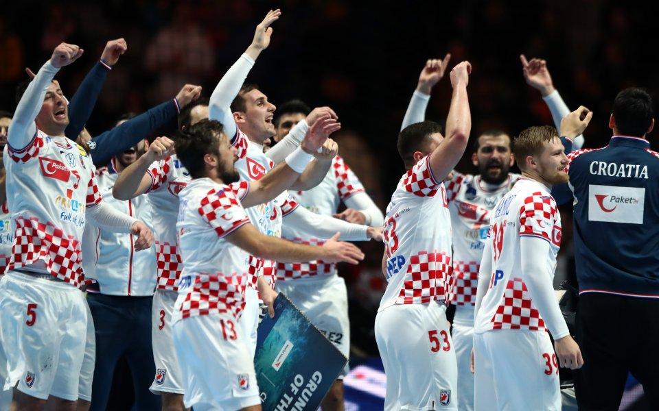 Хърватия се класира драматично на финала на Европейското