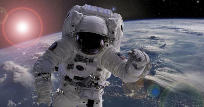 Астронавтът на НАСА Андрю Морган и астронавтът на Европейската космическа