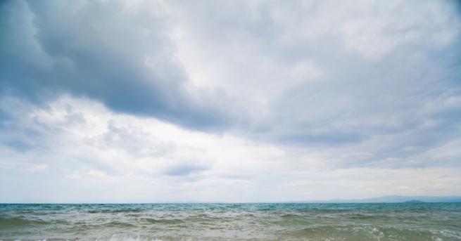 Качеството на морската вода край 21 плажа е отлично, а