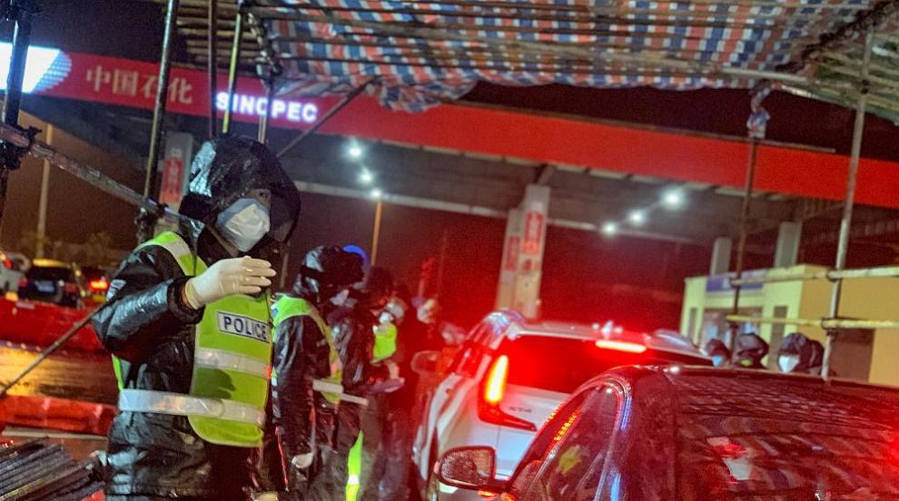 Китай въвежда карантина в цял град заради два случая...