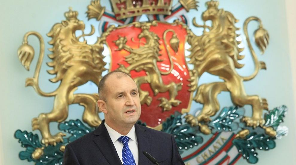 Президентът Румен Радев удостои български училища с...