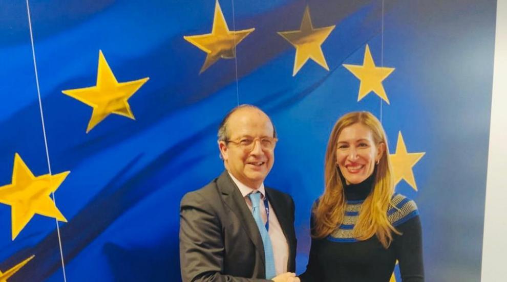 Министър Ангелкова на работна среща с Даниел Кайеха в Брюксел