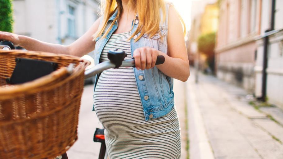 Бременни сте, но не ви се седи вкъщи? Само спазвайте тези правила