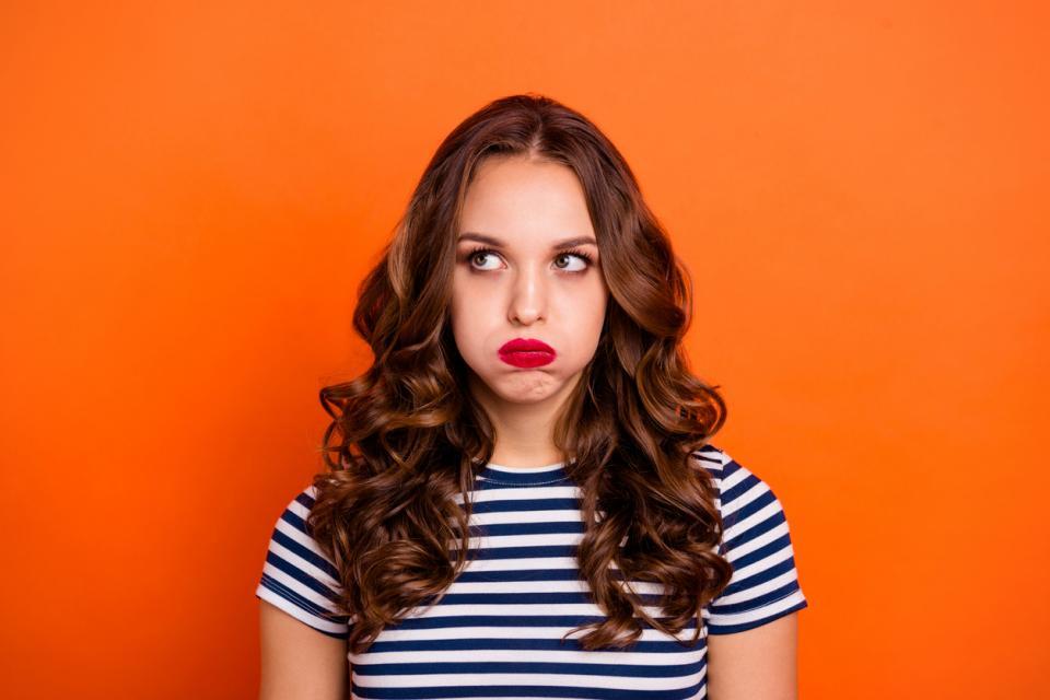 жена момиче ядосана яд