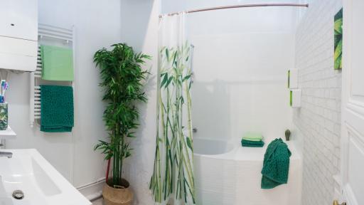 <p>Как да <strong>преобразим банята</strong> без да даваме <strong>много пари&nbsp;</strong></p>