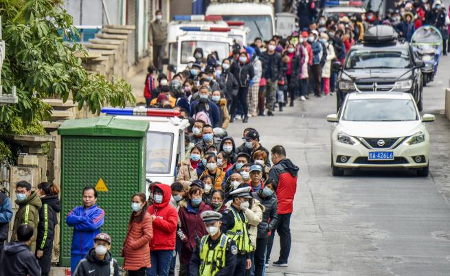 Трима българи, завърнали се от Китай и Тайланд, под наблюдение в болница