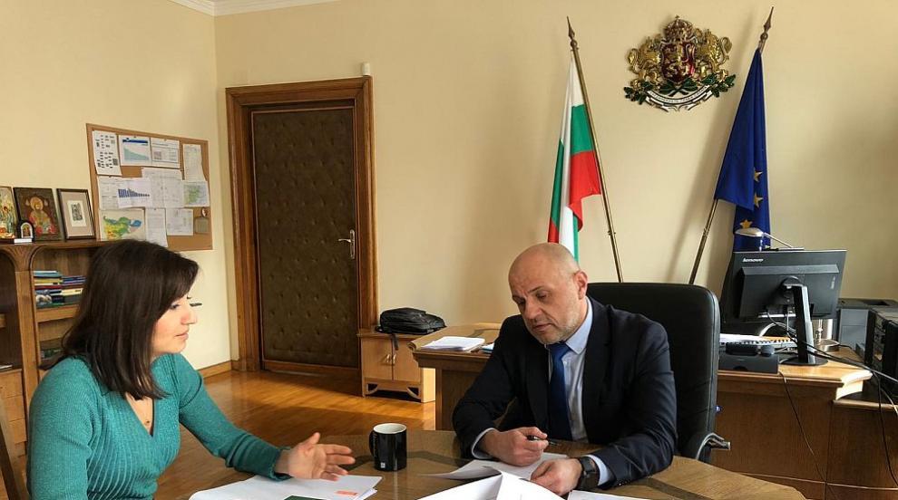 Дончев похвали България за усвояването на евросредства по кохезионната...
