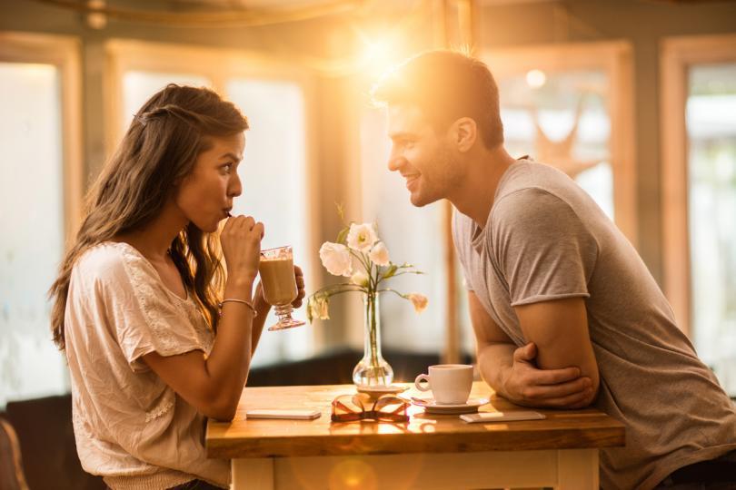 <p>Телец<br /> Днес не проявявайте мнителност, ако искате да изградите връзка на взаимно доверие с интимната си половинка. Моментът е благоприятен да сложите началото на поредица от кратки пътувания, които ще ви подействат тонизиращо.</p>
