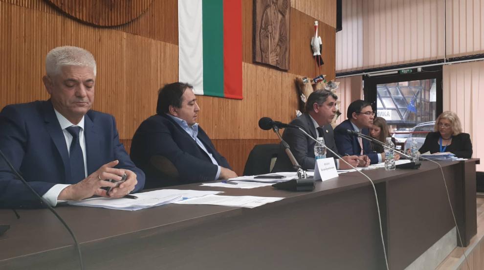 3200 лв. заплата за кмета на община Дупница?