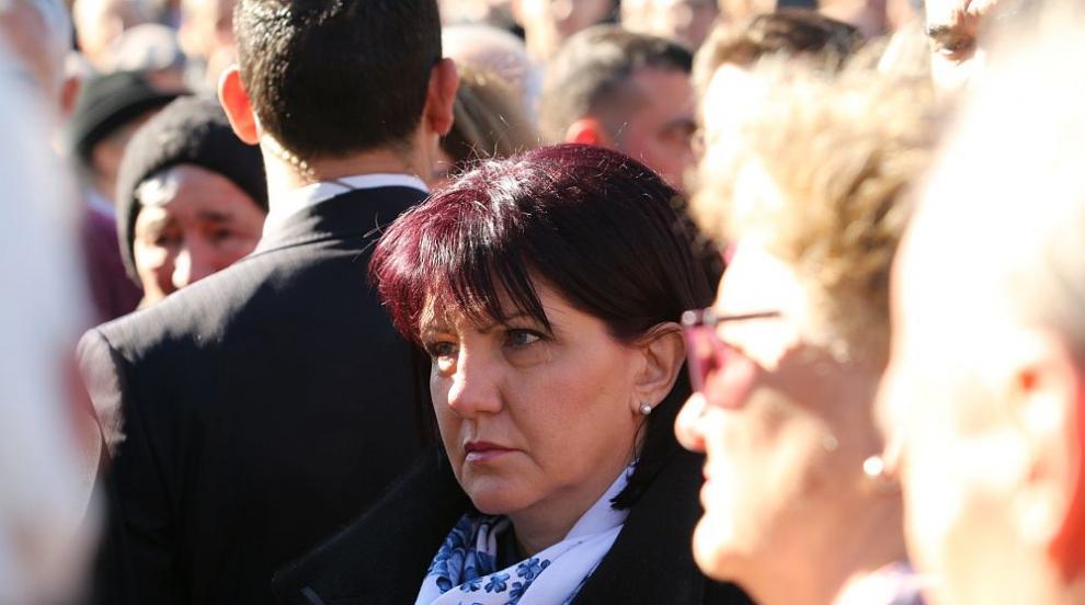 Караянчева изпрати съболезнователен адрес до председателя на Бундестага