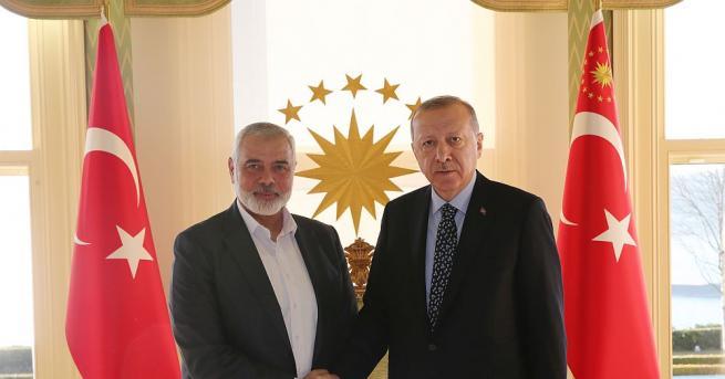 В Истанбул се проведе среща при закрити врата между Реджеп
