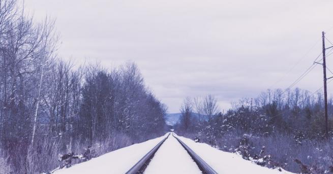 Движението на влаковете в страната в няколко участъка на страната