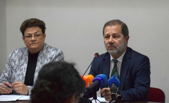 Председателят на НСИ Сергей Цветарски и зам.-предедателят Диана Янчева по врме на пресконференцията днес