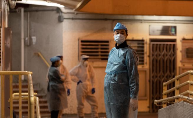 Уволнения в Китай, след като над 1000 души починаха от вируса