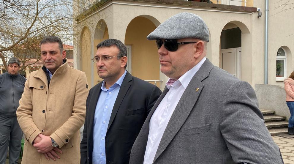 Ограбиха възрастна жена в Белозем, Гешев и Маринов отидоха на място...