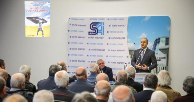 Българската авиация е създадена на духовните криле на нашия народ