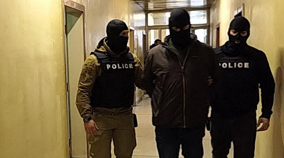 800 задържани: Разбиха криптирана телефонна система...