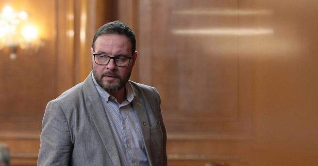 """Независимите депутати от партия """"Атака"""" внасят искане в парламента за"""