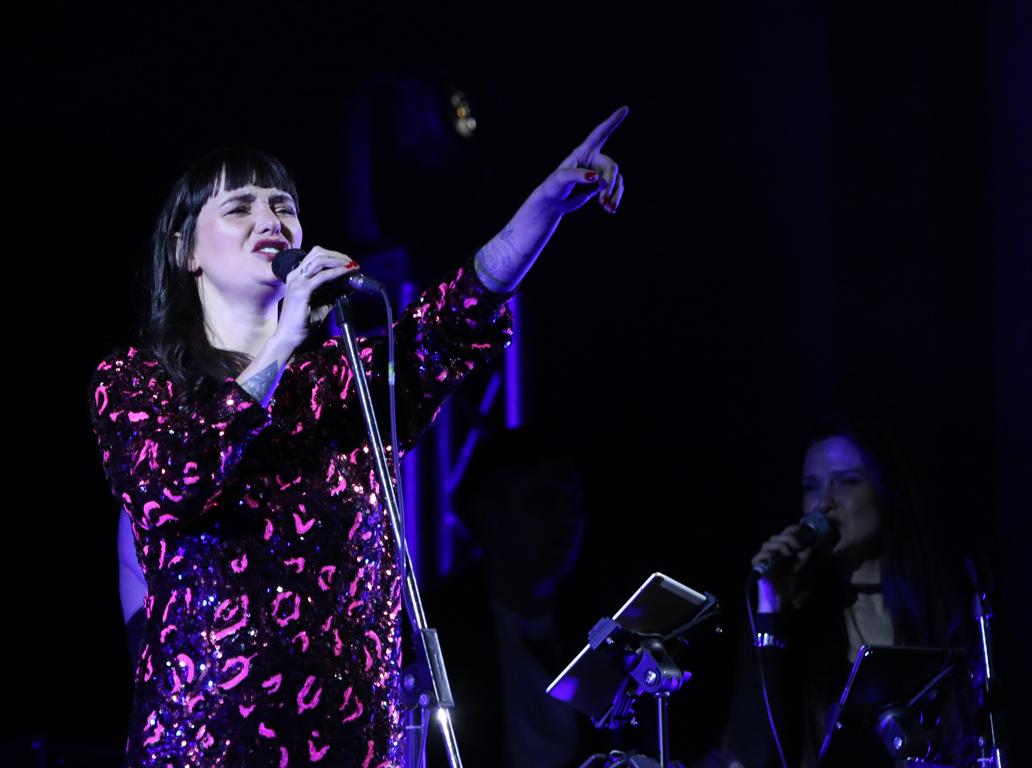 <p>Огненото момиче с кадифения глас се завърна на сцената на Зала България за да представи най-новия си албум</p>