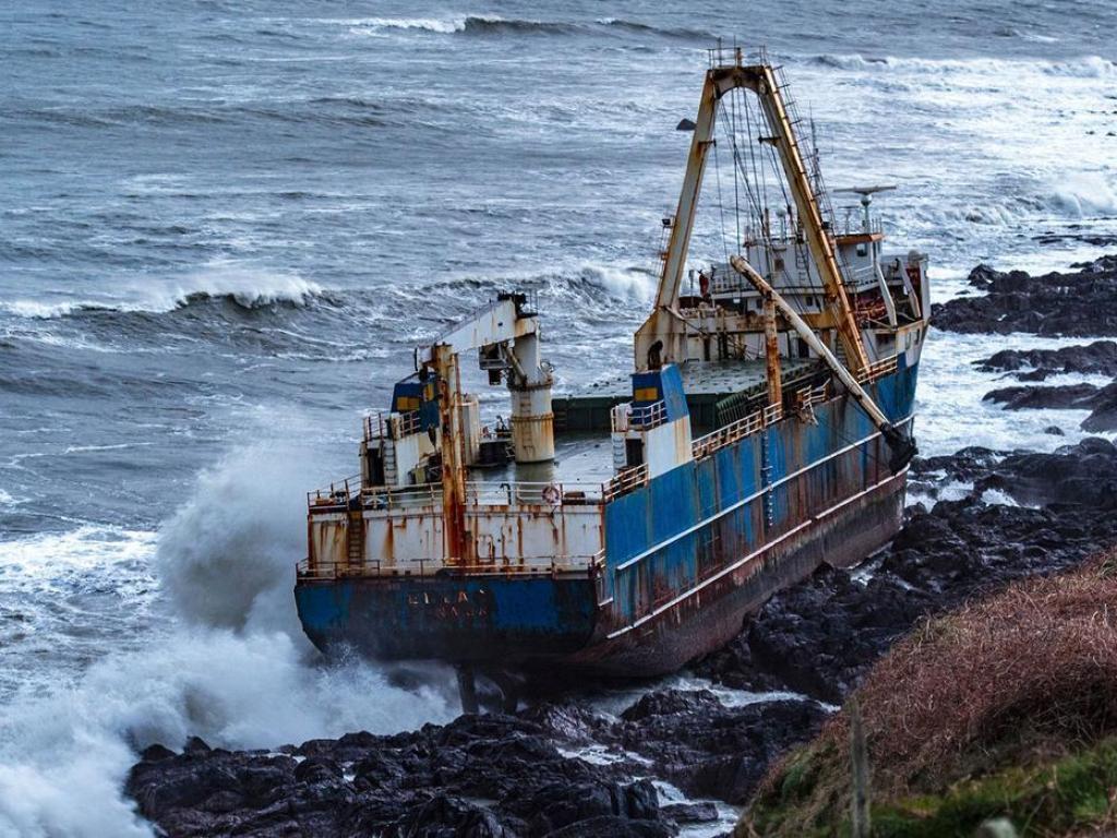 Кораб-призрак се появи на бреговете на Ирландия