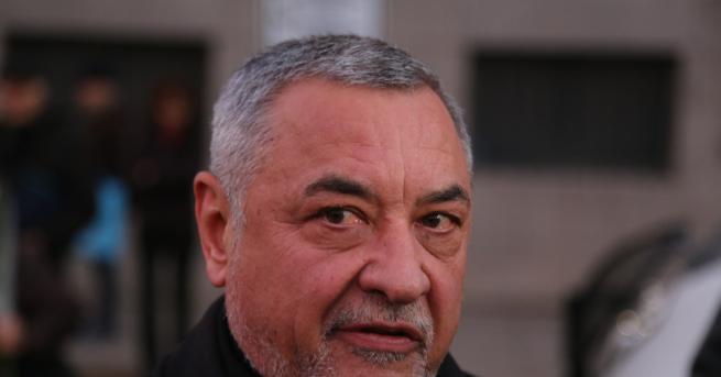 България Валери Симеонов: Божков ще се върне с белезници Кризата