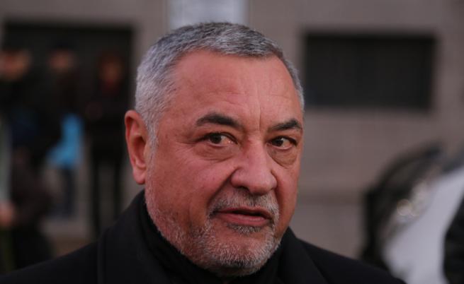Валери Симеонов:  Божков ще се върне с белезници