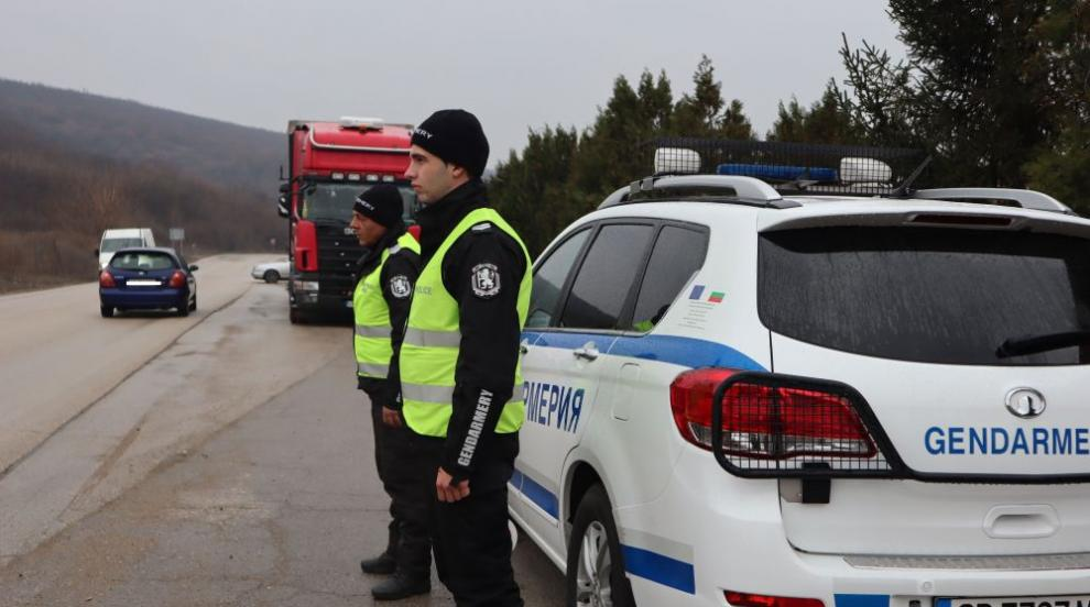 Близо 11 000 автобуси и товарни автомобили бяха проверени, установени са...