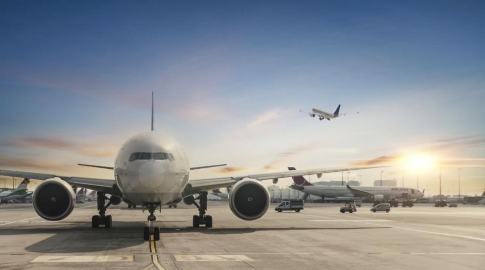 Самолетът с Навални кацна на летище